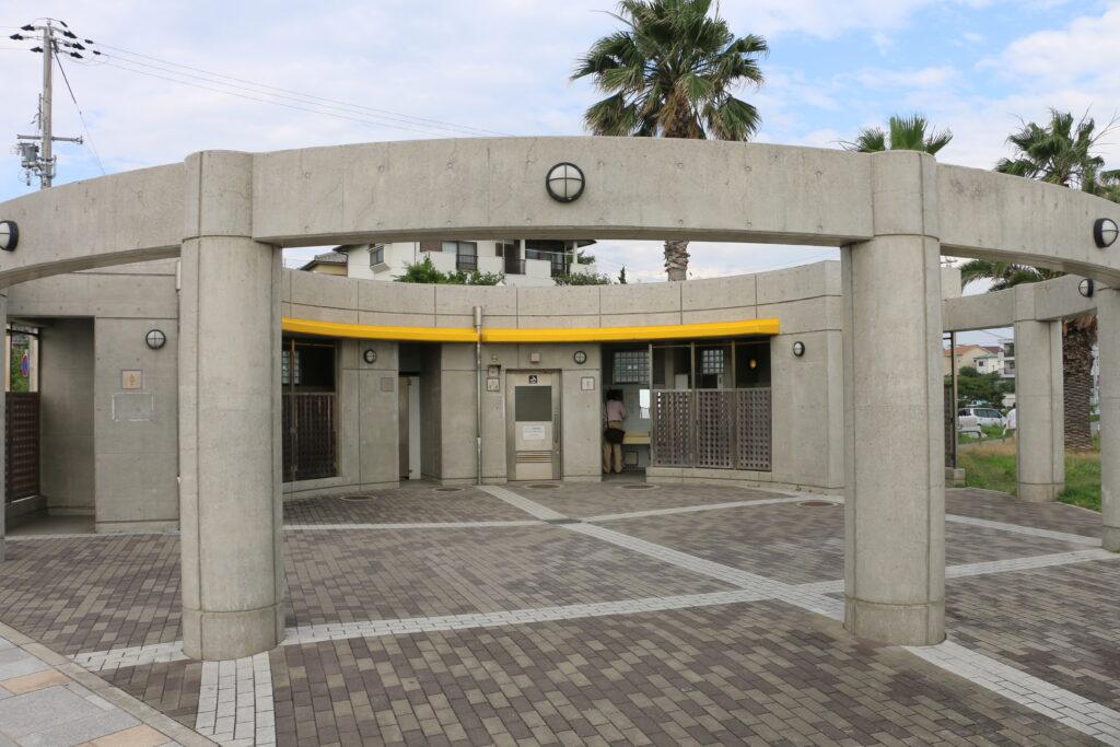 林崎松江海岸の西側BBQエリアのトイレ