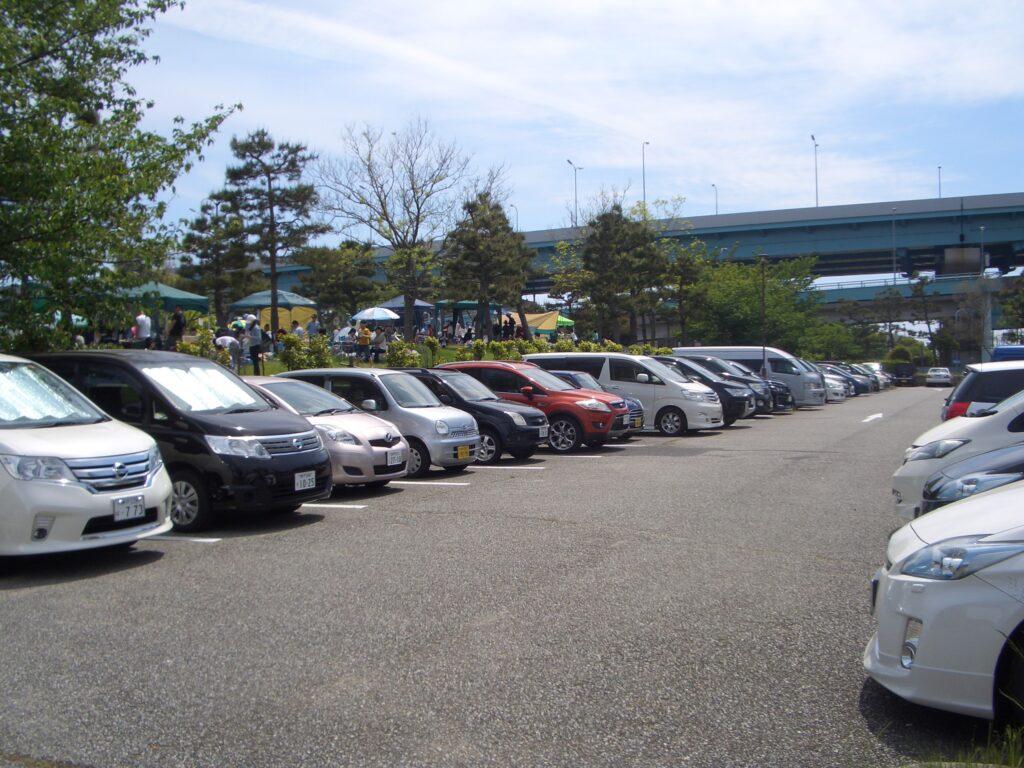 甲子園浜海浜公園駐車場満車の状況