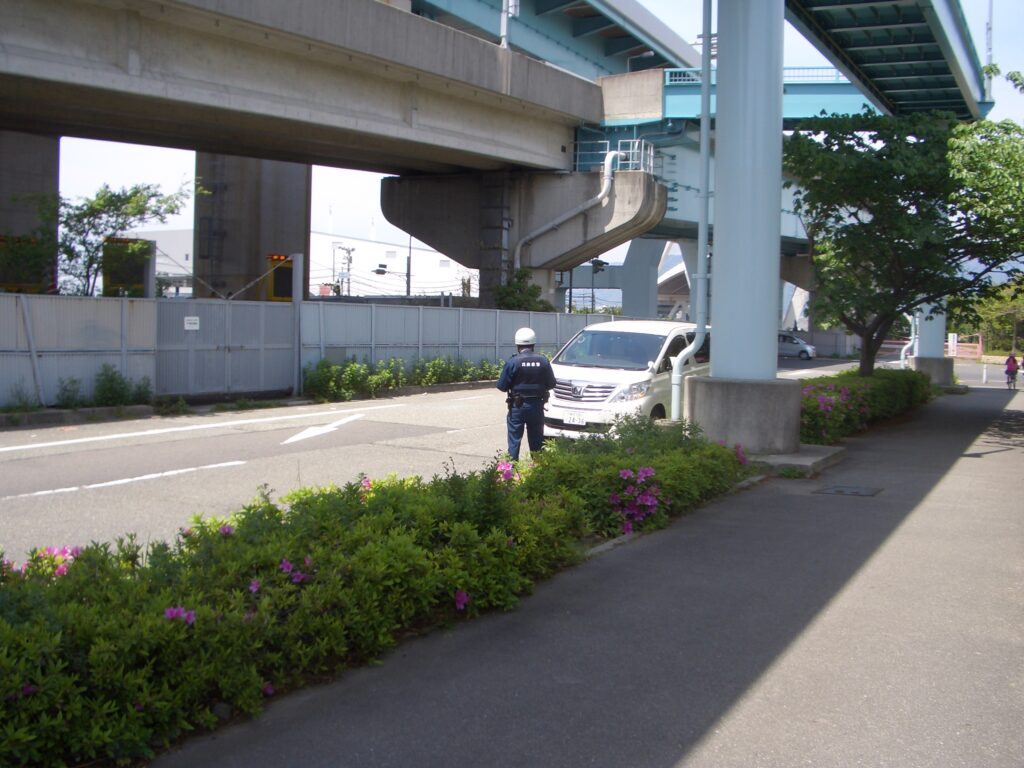 甲子園浜海浜公園での警察の取り締まり