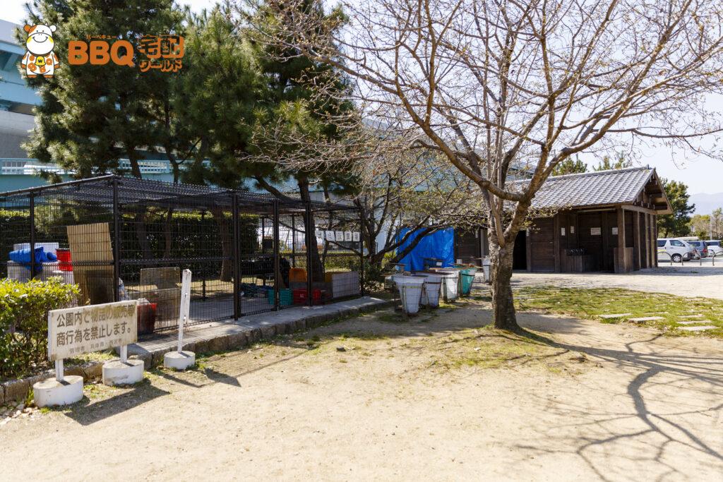 甲子園浜海浜公園BBQエリアのゴミ仮置き場