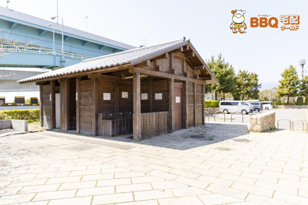 甲子園浜海浜公園BBQエリアのトイレ