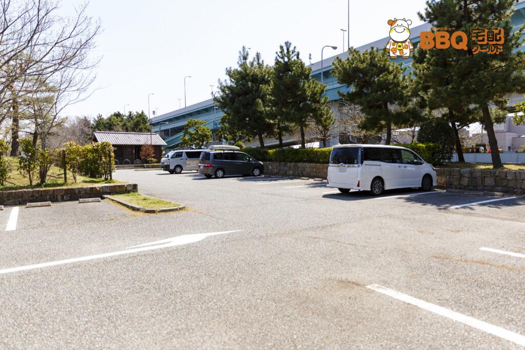 甲子園浜海浜公園西駐車場奥側