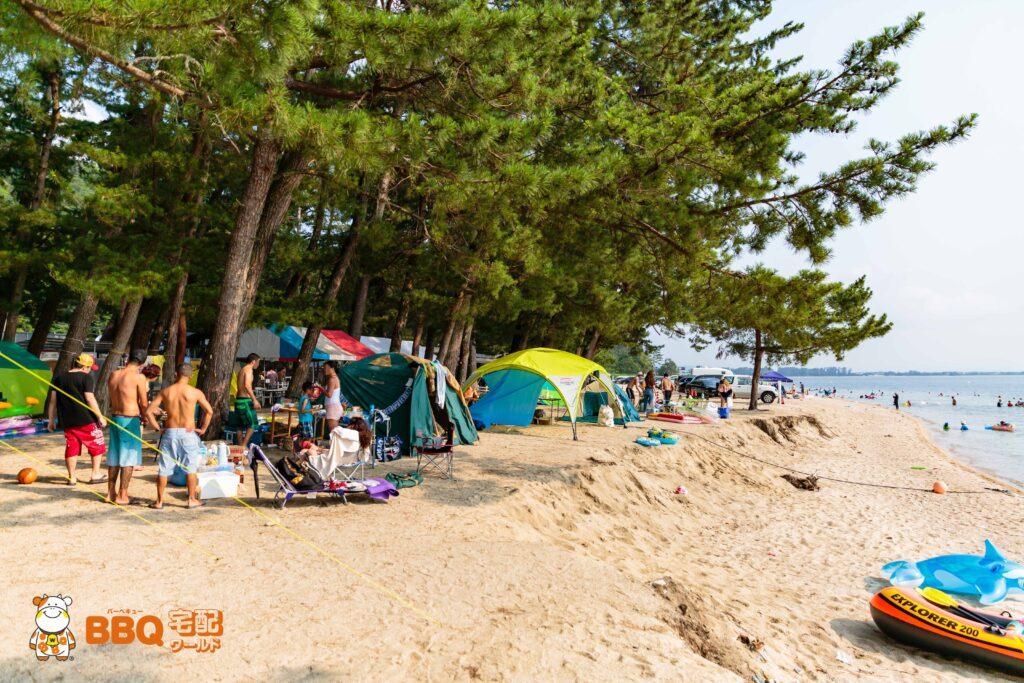 白ひげ浜キャンプサイトと琵琶湖