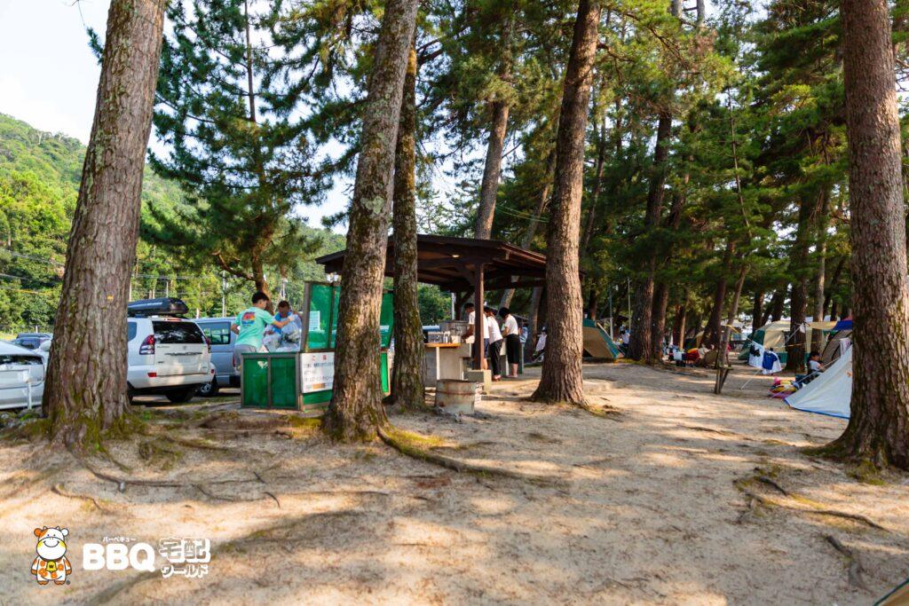 白ひげ浜水泳キャンプ場の炊事場1