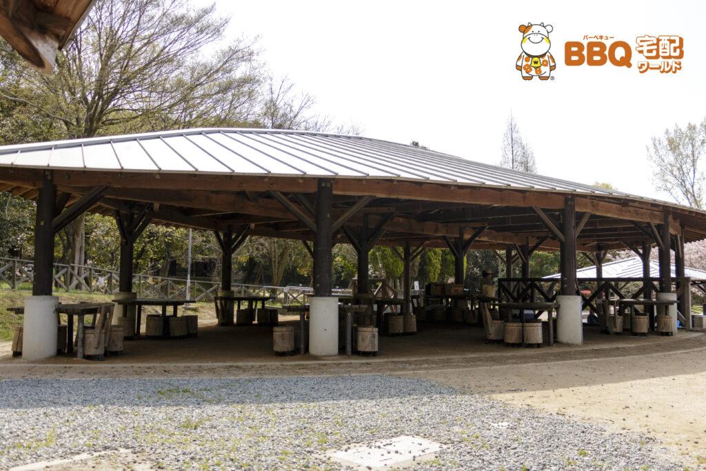 市ノ池公園BBQサイトの食事棟