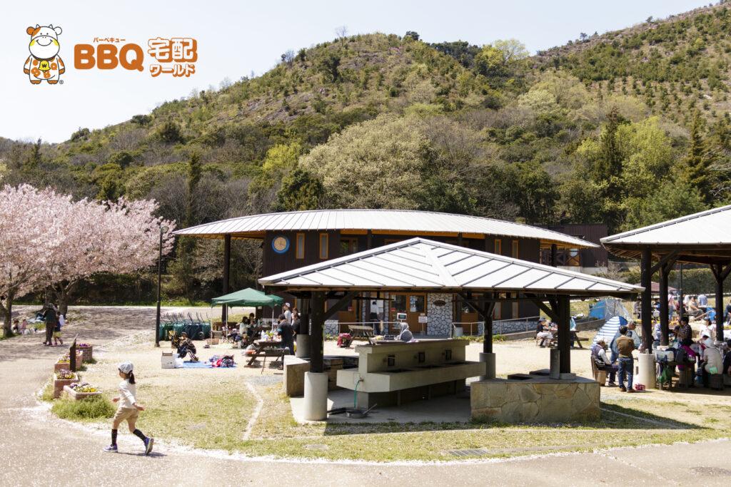 市ノ池公園BBQサイトのテント