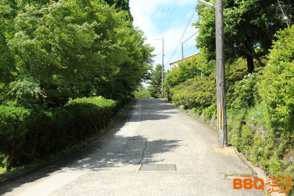 茨木市里山センターアクセス(白い建物)