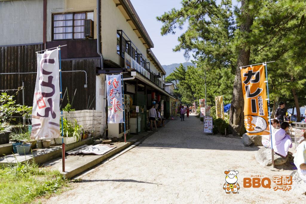 近江舞子中浜水泳場の民宿と店舗