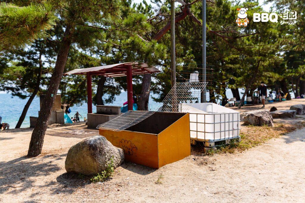 近江舞子中浜水泳場BBQエリアのゴミ箱2