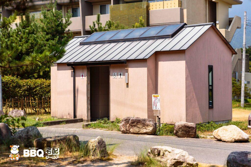 近江舞子中浜水泳場BBQエリアのトイレ