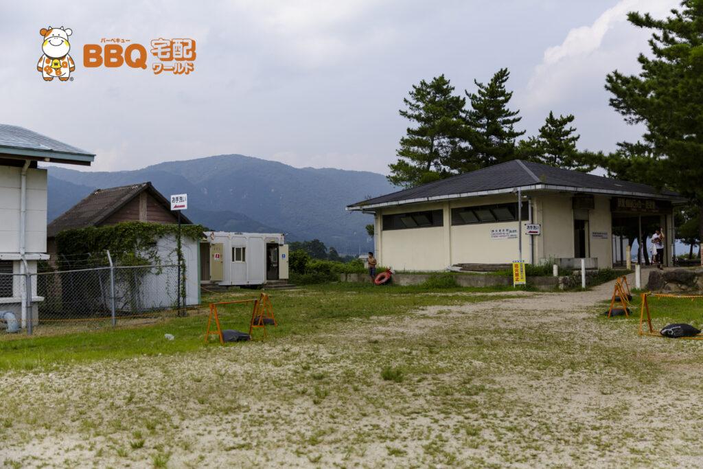 近江舞子中浜水泳場BBQエリアのトイレ、ロッカー、更衣室