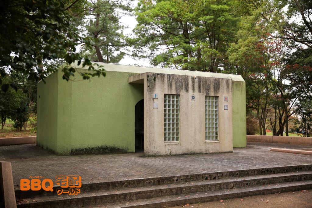 日岡山公園のBBQエリア10番トイレ