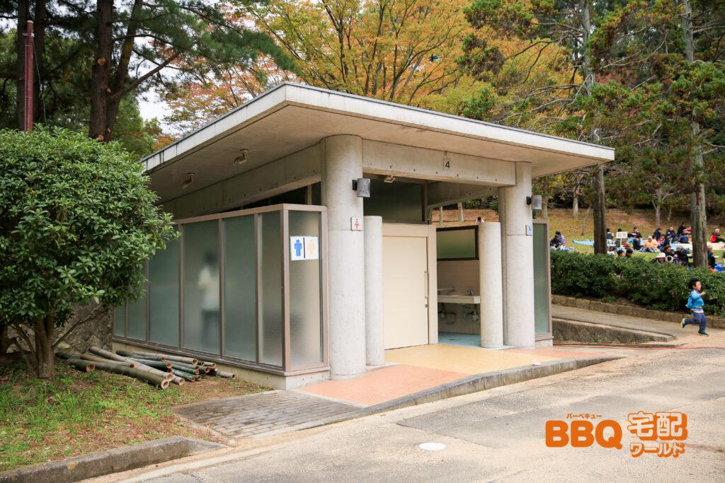 日岡山公園BBQエリアの4番トイレ