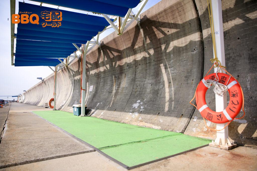 平磯海釣り公園釣り場の救命用具置き場