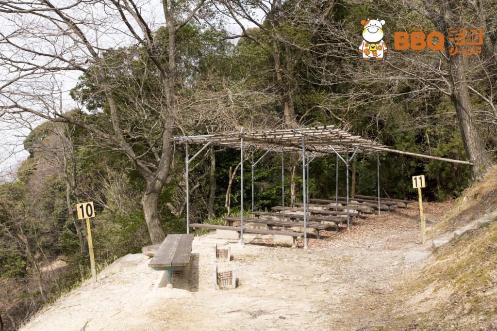 やまびこ園の林間BBQ藤棚