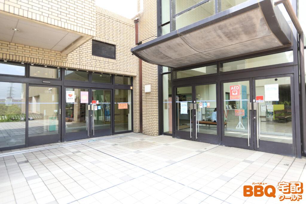 宝塚市立スポーツセンター受付棟入口