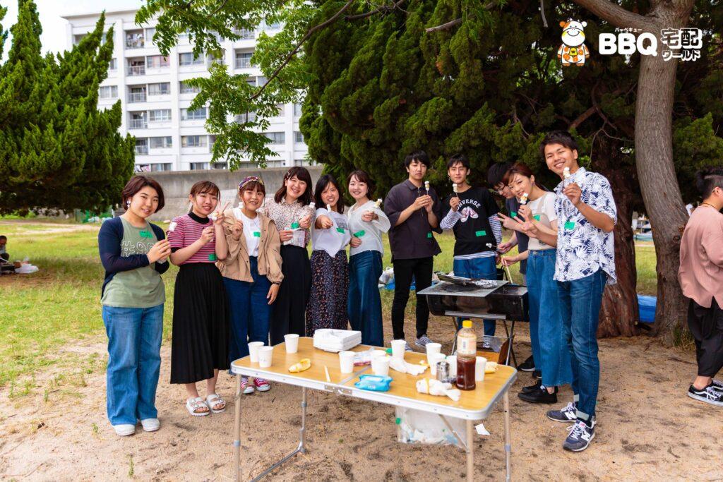 御前浜での大学生BBQ風景3