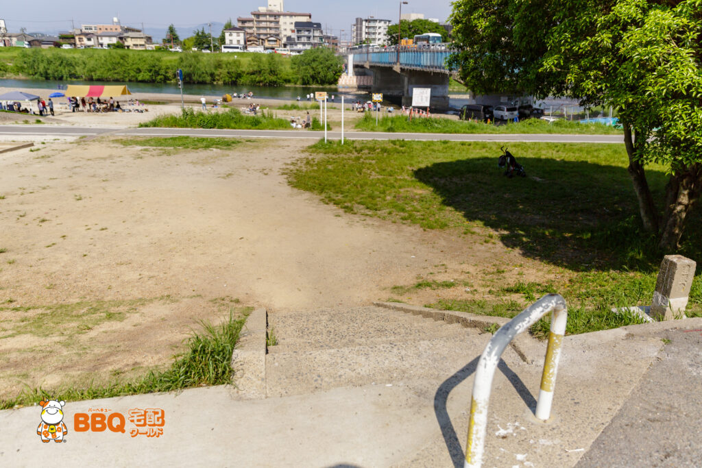 松尾橋BBQ場への階段2