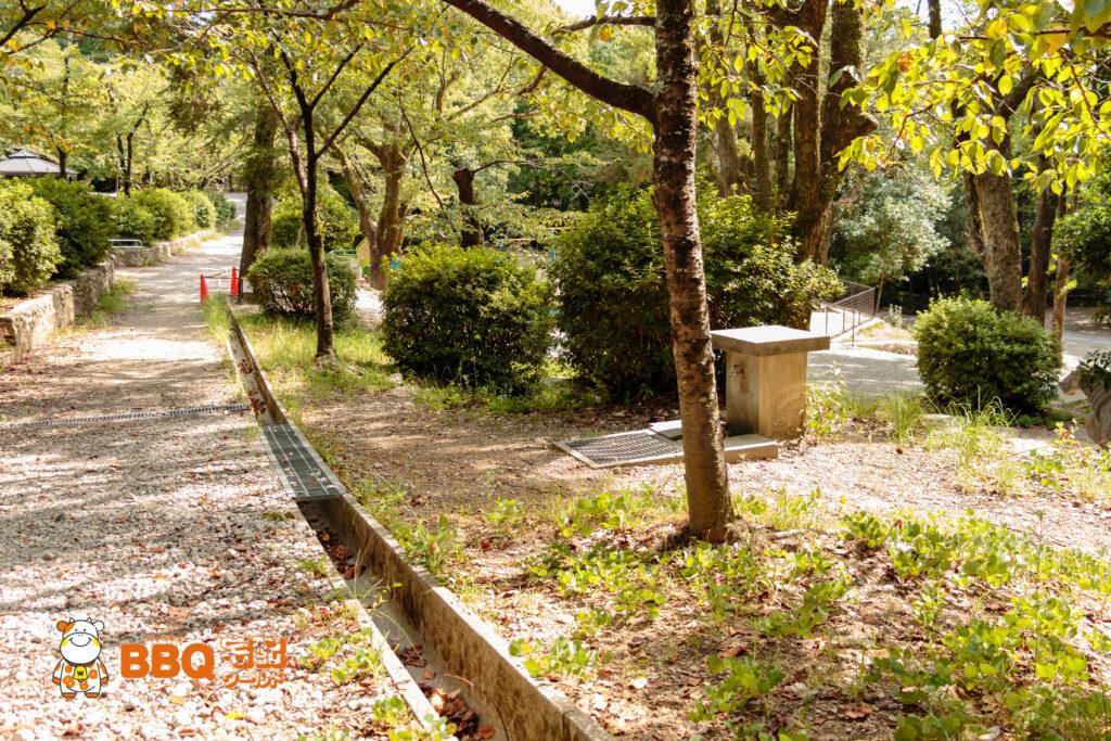 五月山公園BBQ広場脇道沿いの水道