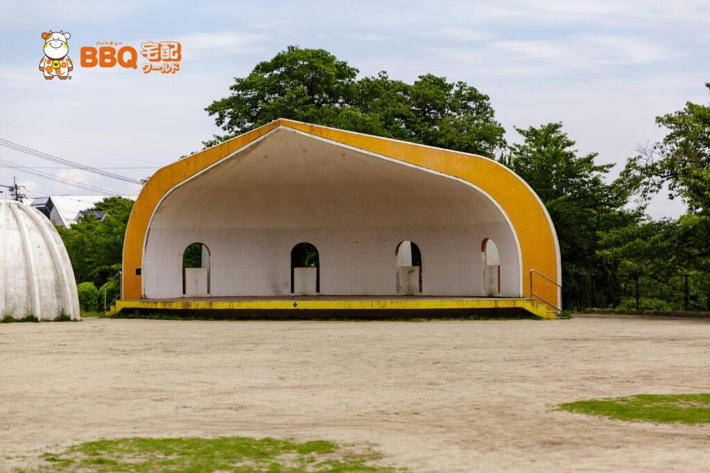 五月山公園の芝生広場