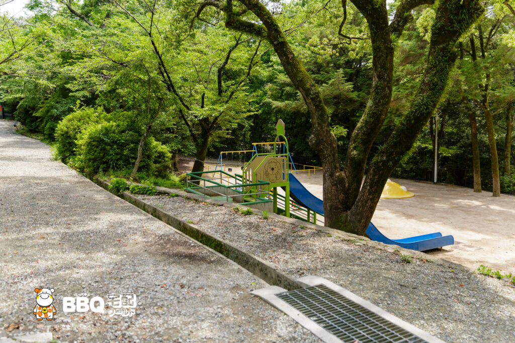 五月山公園BBQ広場横の遊具