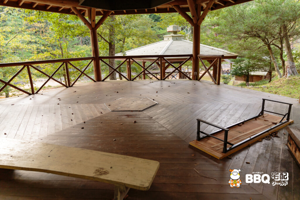 湯船森林公園BBQ六角ハウス2