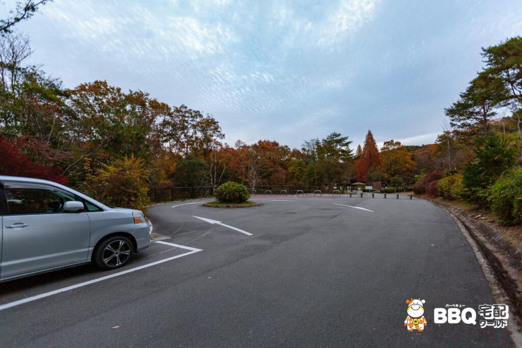 神戸青少年公園デイキャンプ場駐車場2