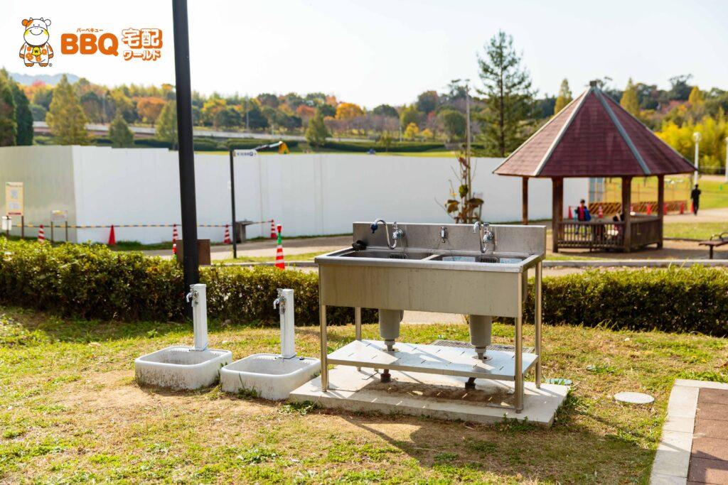 蜻蛉池公園BBQ場の洗い場