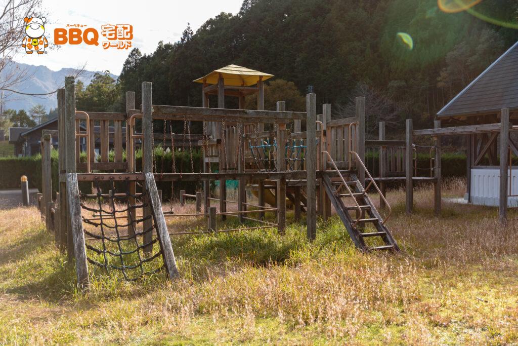 小口キャンプ場遊具施設