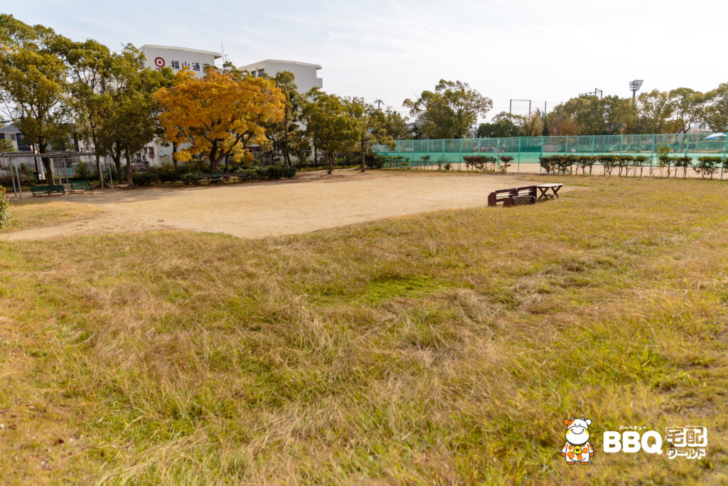 助松公園の広場
