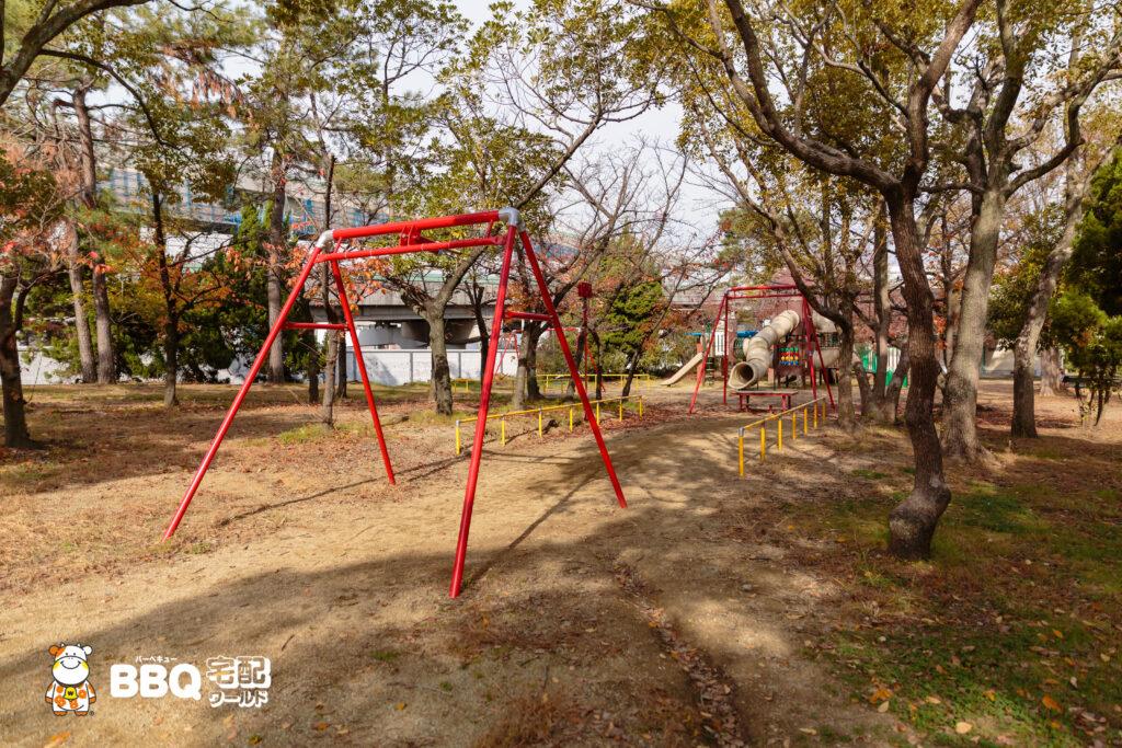 助松公園の遊具