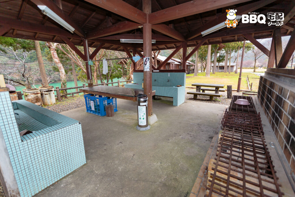 おくとろ公園キャンプ場炊事場