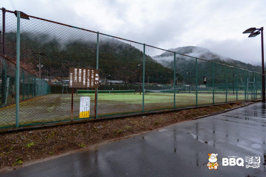 おくとろ公園テニス場