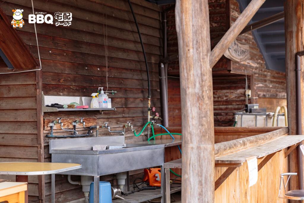 天理観光農園のBBQ場炊事場