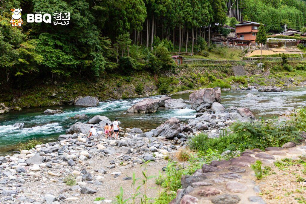 オートキャンプ場庵の郷の川1
