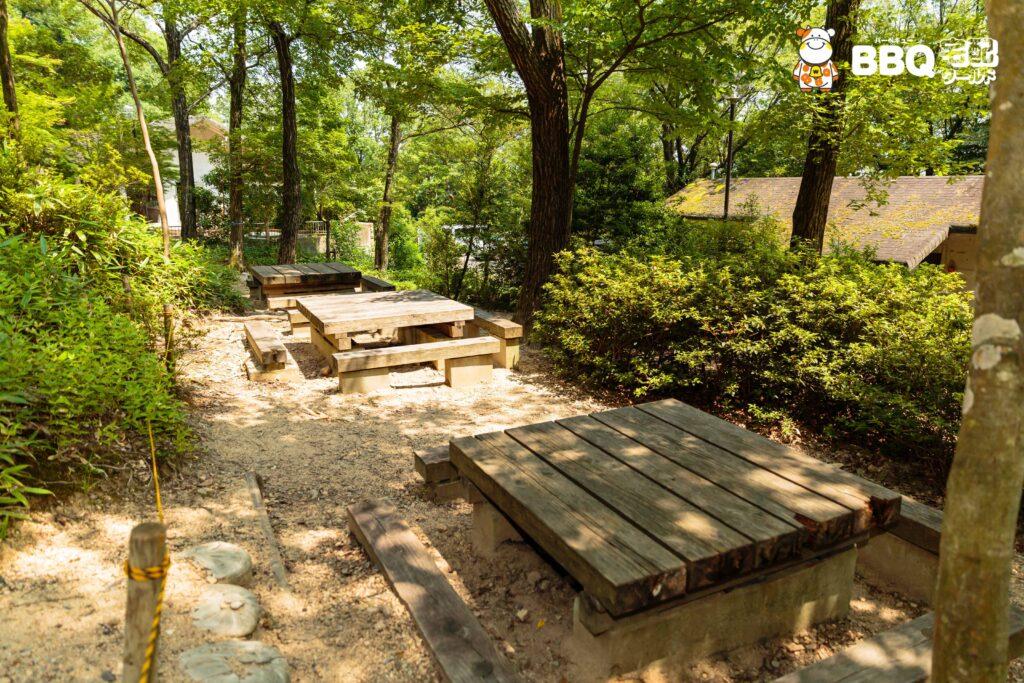 社家郷山キャンプ場共用テーブル1