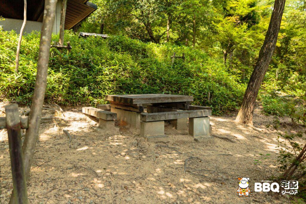 社家郷山キャンプ場共用テーブル2