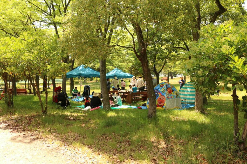 助松公園の木陰BBQエリア