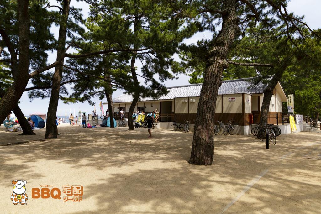 大浜海水浴場のビーチハウス北