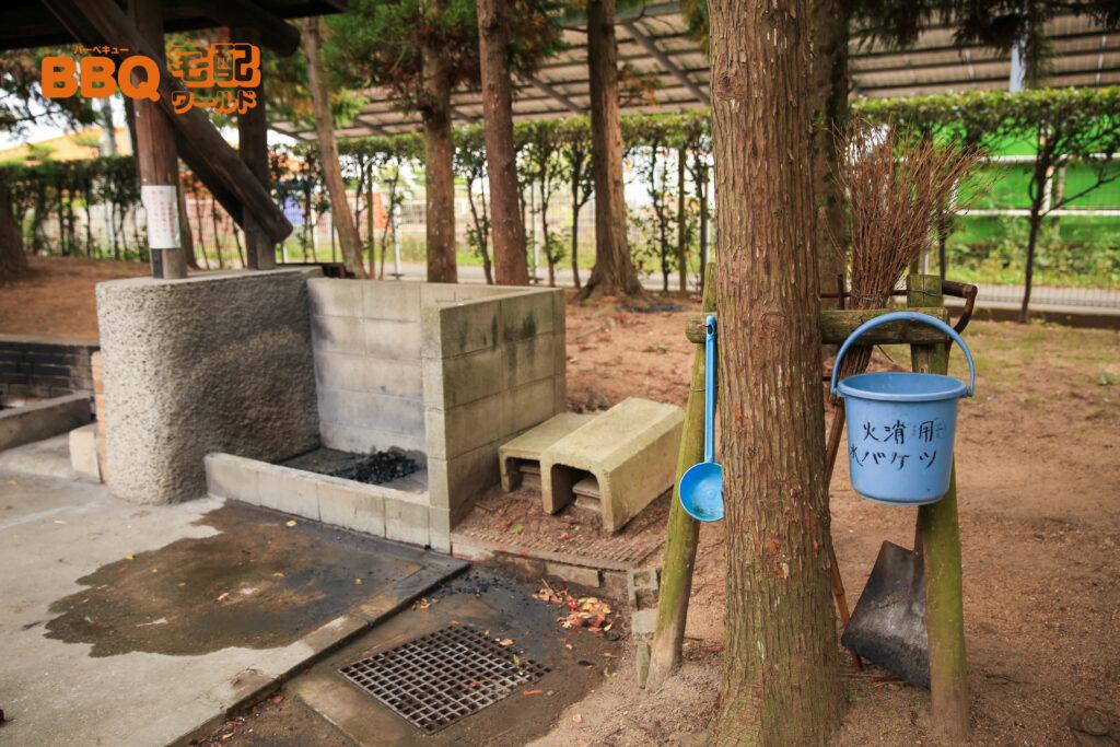 稲美町野外活動センターBBQサイトの炭捨て場