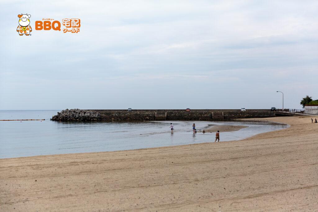 大浜海水浴場の遠浅ビーチ