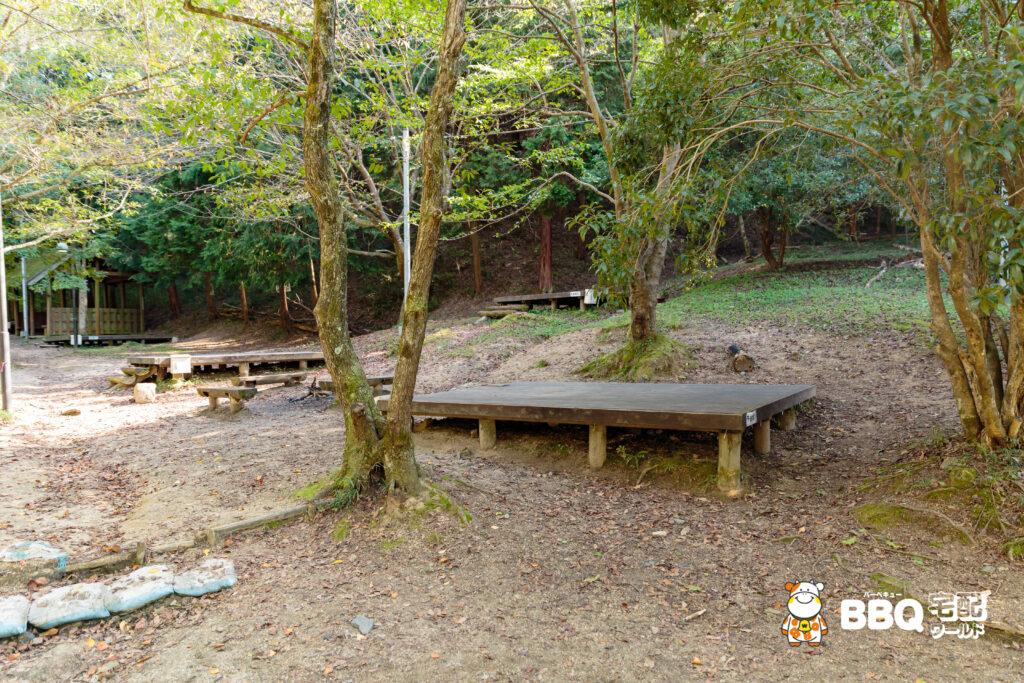 山城町森林公園テントサイト2