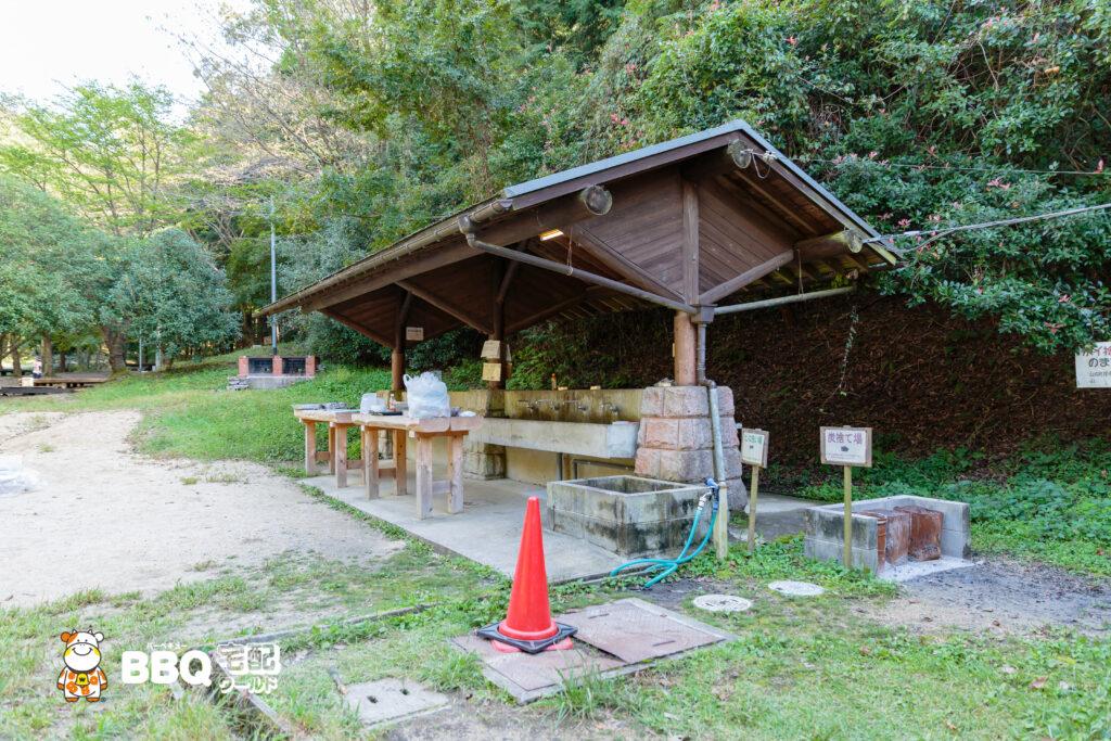 """""""山城町森林公園テントサイト炊事場1"""