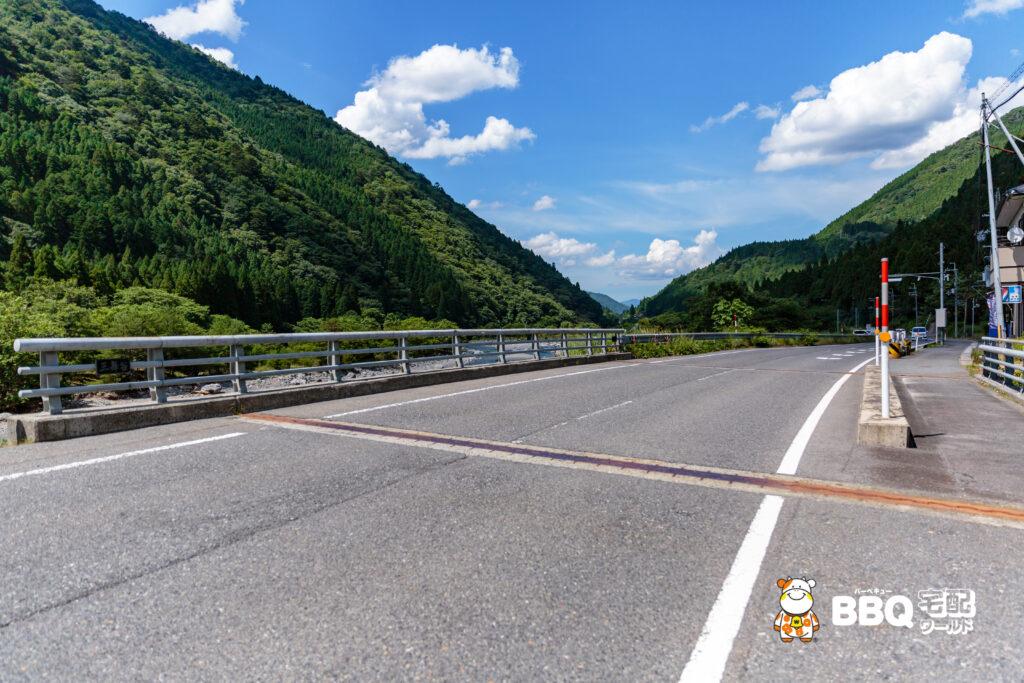 梅ノ木キャンプ場手前の橋