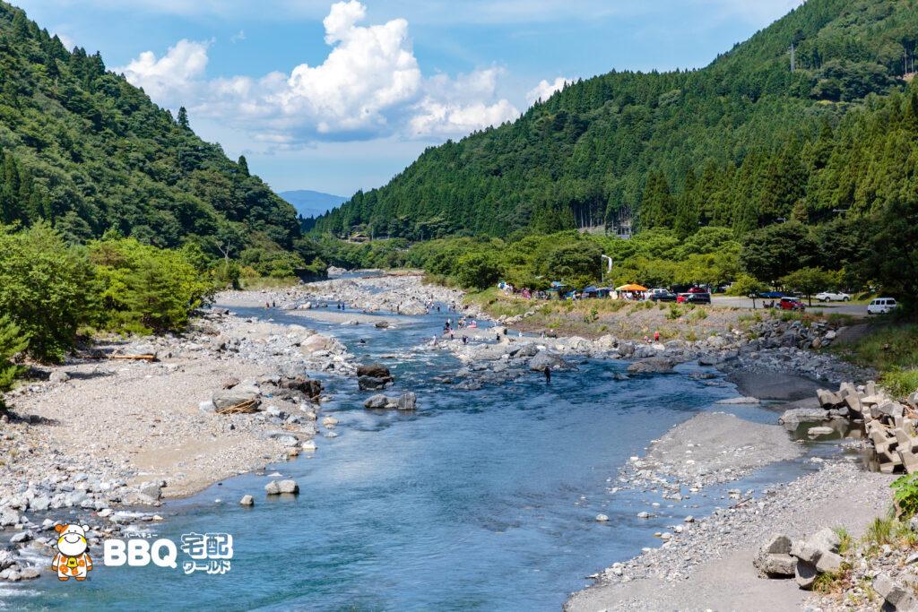 梅ノ木キャンプ場の安曇川