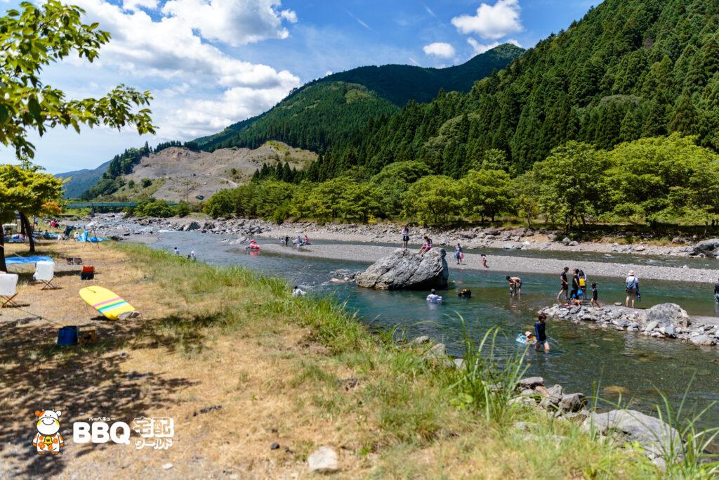 梅ノ木キャンプ場のジャンプ岩