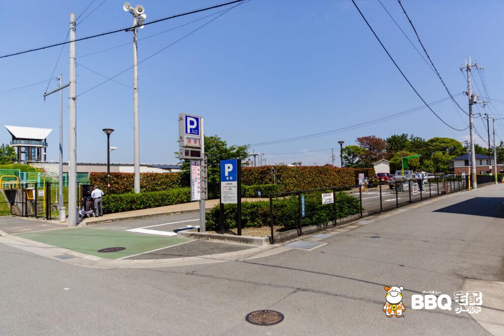 兵庫県立考古博物館駐車場
