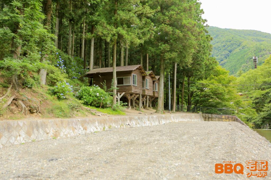 光滝寺キャンプ場のバンガロー