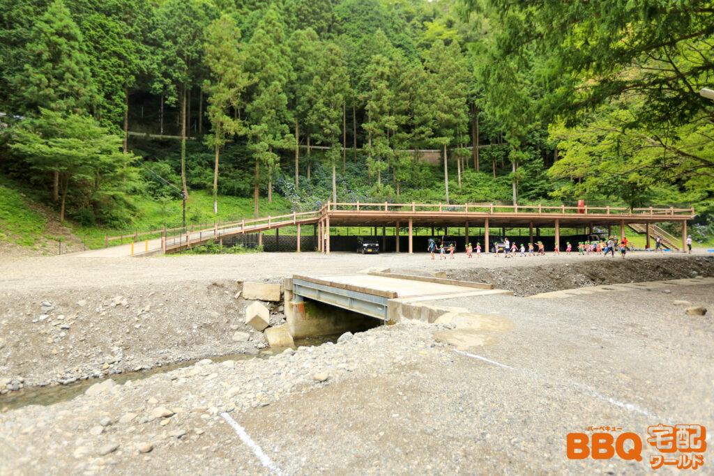 光滝寺キャンプ場の立体駐車場