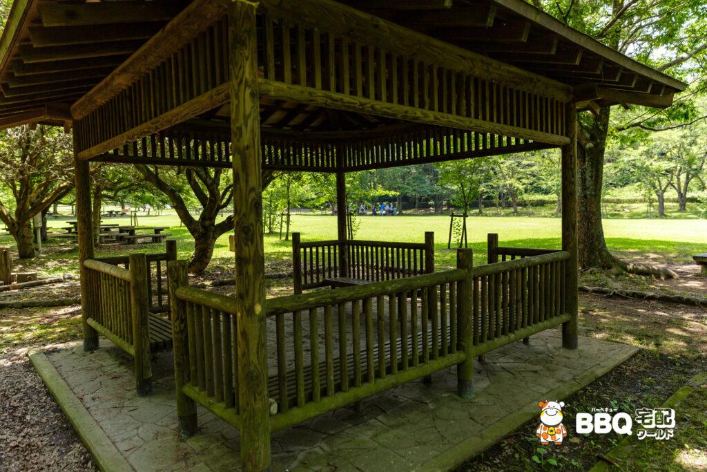 志方東公園BBQ場の休憩所
